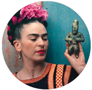 frida-with-olmeca-figurine-coyoacan-1939-nickolas-muray-photo-archive-courtesy